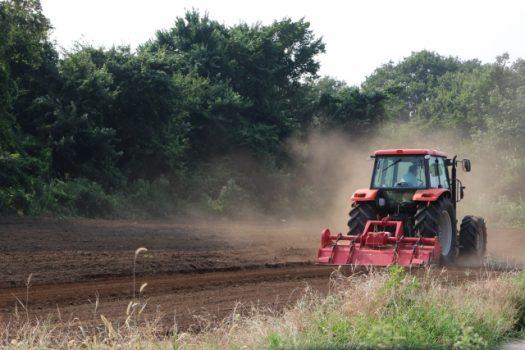 耕うん機で家庭菜園を上手にすすめる!耕うん機の賢い選び方をご紹介