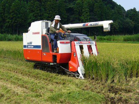 稲刈りで使用するコンバインの耐用年数超えていませんか?