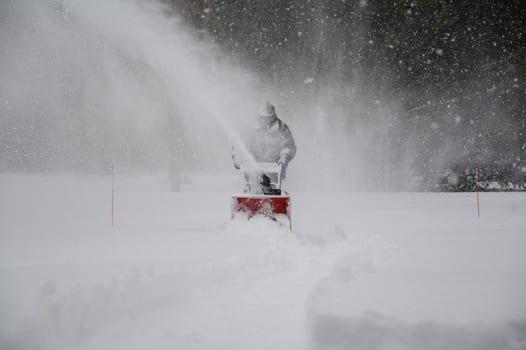 除雪機の点検・メンテナンス方法!正しい保管方法や寿命についても